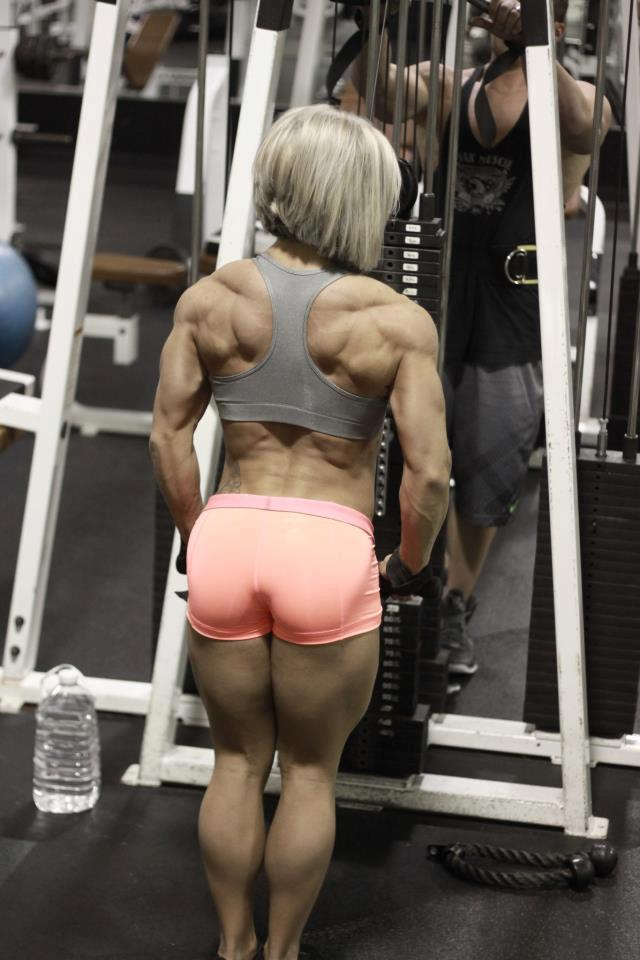 she muscle models with great abs