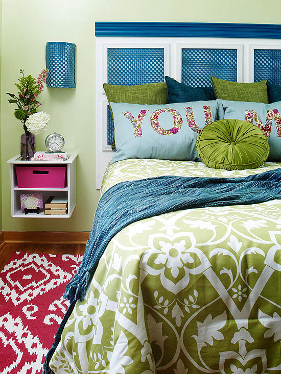 Toned down walls in a more pallet friendly hue of muted honeydew read