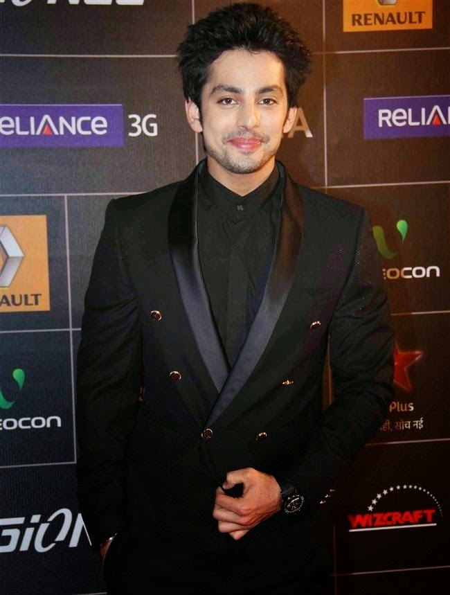 Himansh Kohli Hot and Sexy HD Wallpaper free Download