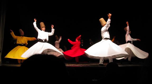 Tarian Sufi Dipuji Rasulullah SAW
