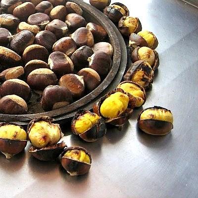 """Türk Sokak Yiyecekleri """" Kestane kebap """"  / Turkish street Food """" Chestnuts """""""