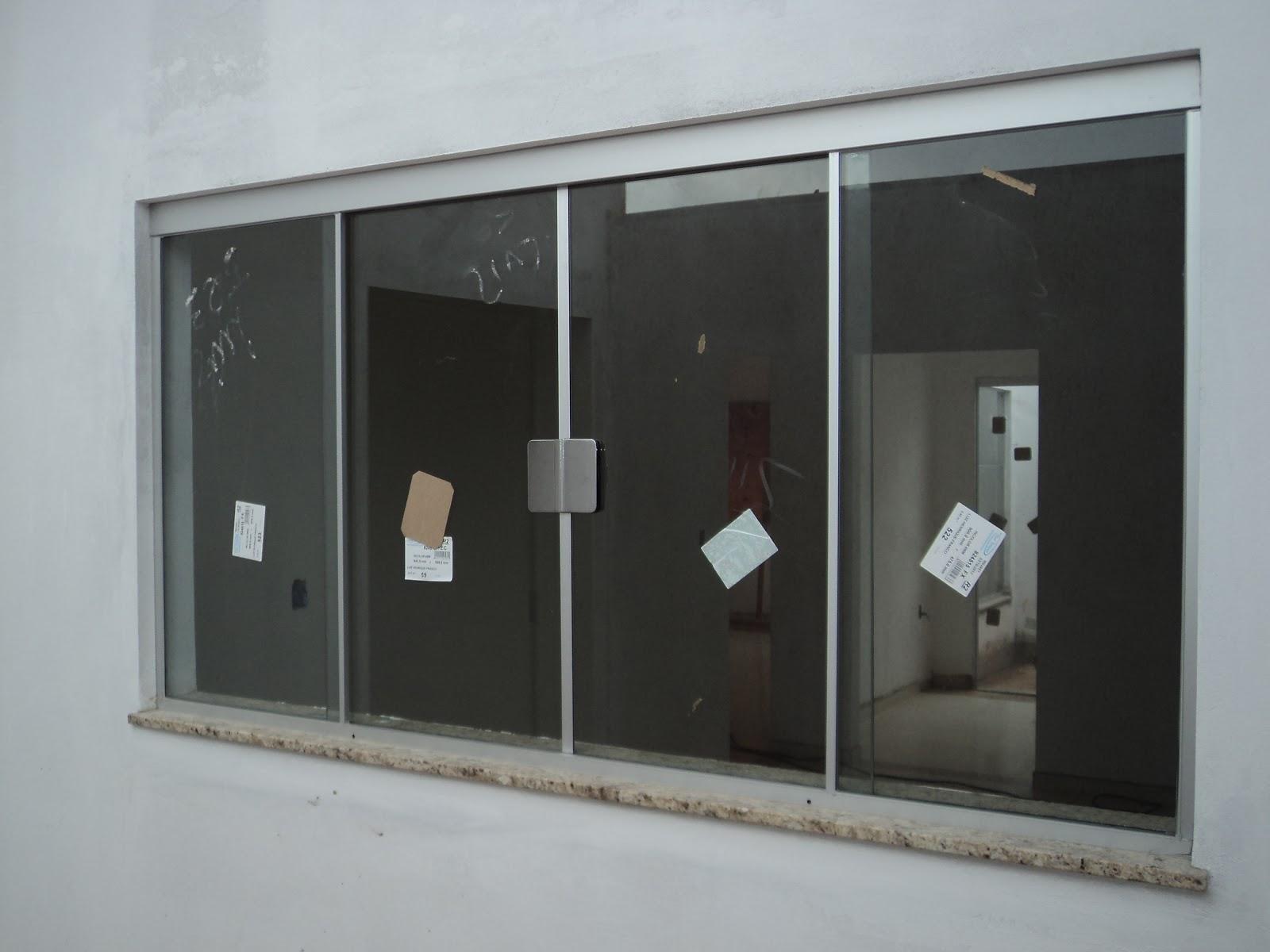 #585247 FRANCO VIDROS TEMPERADOS: Obra em Campos Novos Paulista 216 Janelas De Vidro P Quarto