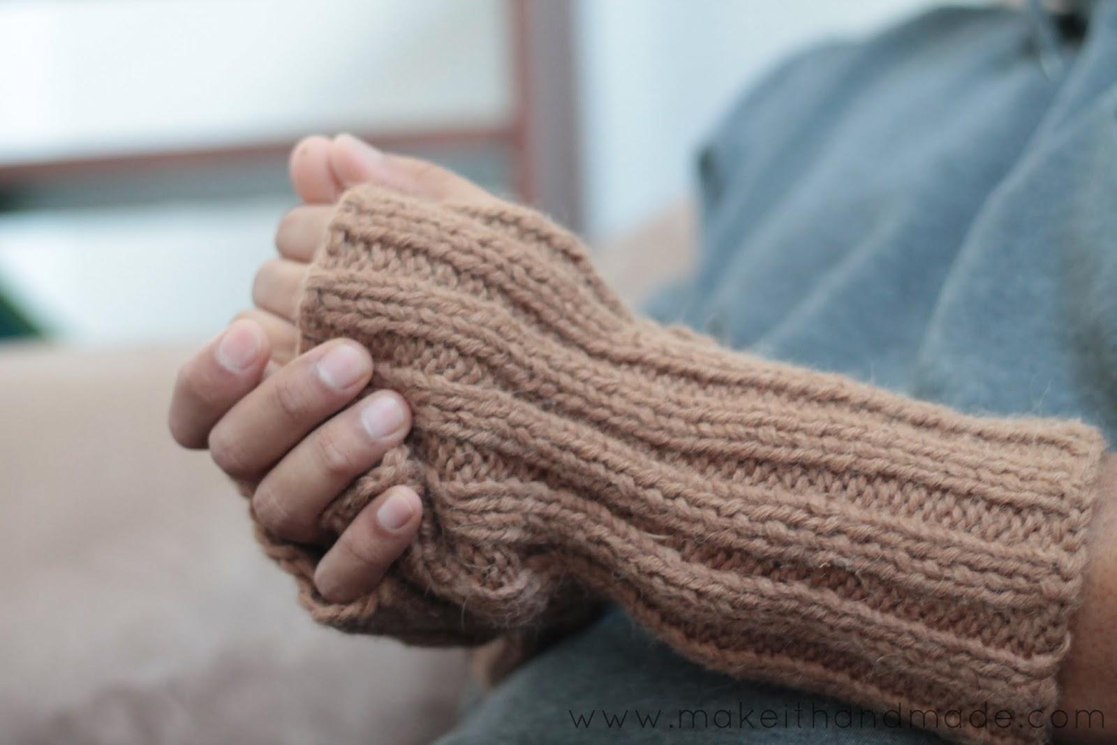 Fingerless gloves how to make - Sweater To Fingerless Glove Tutorial From Make It Handmade