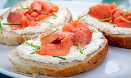 Las recetas de blanca canap s de queso y salm n blanca for Canape de jamon y queso