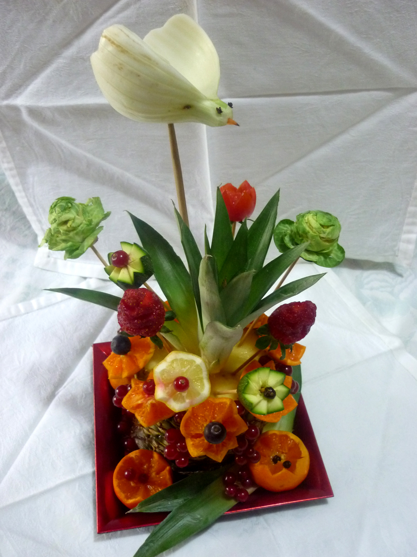 Silvi 39 s kitchen scultura di frutta vaso di fiori come for Fiori con la p
