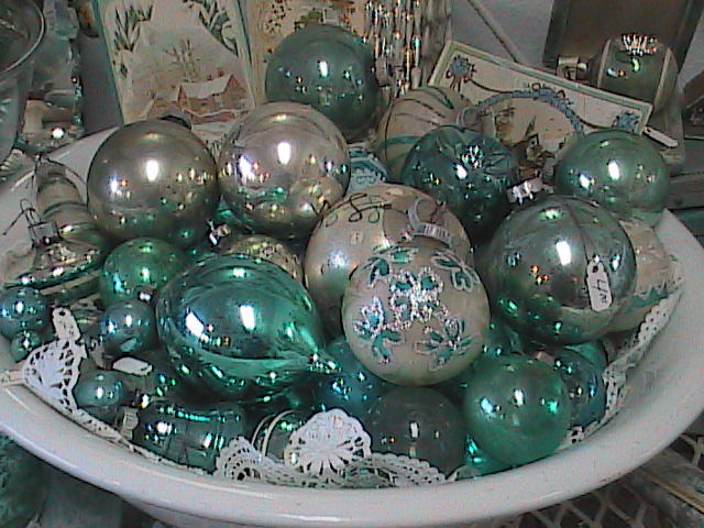 november 18th 19th and 20th vintage christmas ornament sale store hrs 10 5f sat 1 5sun every year we do our best to build a bigger and better antique - Vintage Christmas Ornaments For Sale