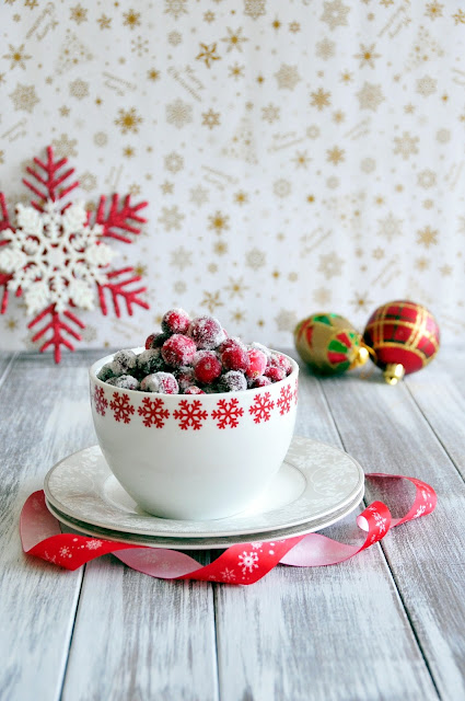 How to make Frosted Cranberries (Candied Cranberries) with video tutorial. Festive holiday treats and garnisd.   http://uTry.it