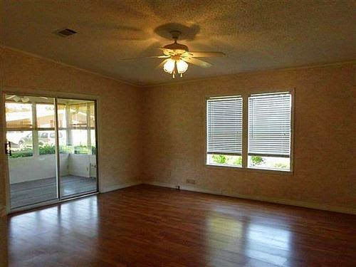 Fan-porch-living-room-Ormond Beach manufactured home
