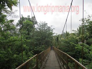 Tempat Wisata Jembatan Kuning Yeh Unda Sidemen Karangasem