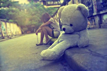 """nunca dejes que nadie sea tu """"TODO"""" porque cuando se vaya no te quedara nadaa ..."""