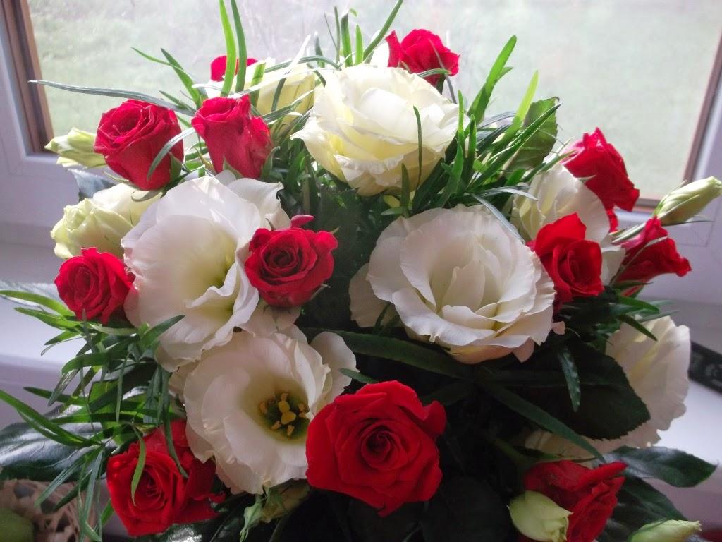 Róże i eustomy na siódmą rocznicę