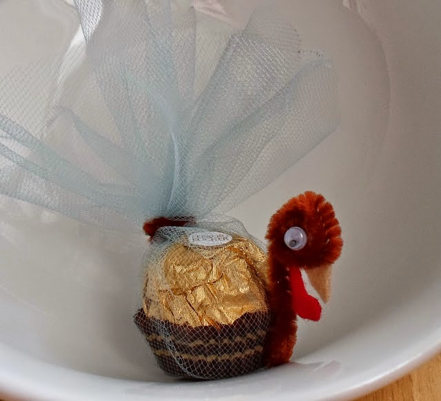 http://happierthanapiginmud.blogspot.com/2013/11/ferrero-rocher-thanksgiving-turkeys.html