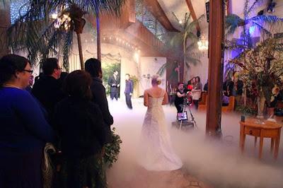 http://1.bp.blogspot.com/-yiNc9vg561U/VBH97iSFR8I/AAAAAAABPnU/5B6yyKZtiiY/s1600/Lauren-Adkins-and-Robert-Pattinson-cutout%2B(1).jpg