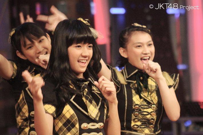 Frieska , Cindy , Melody JKT48 di bukan empat mata