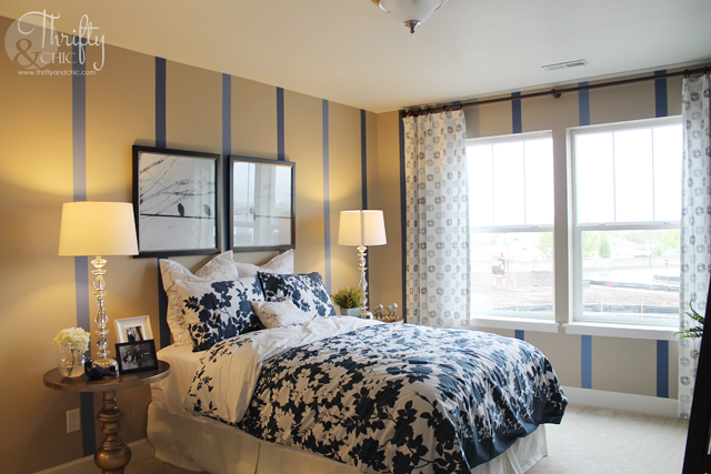 bedroom decor ideas with blue accents