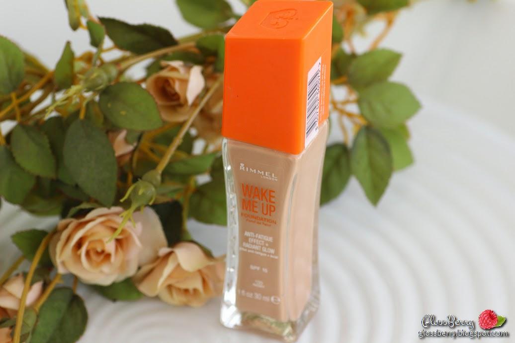 rimmel wake me up foundation makeup 100 ivory review swatches light skin dry winter מייקאפ נוזלי רימל  לעור יבש רגיל בהיר סקירה בלוג איפור וטיפוח