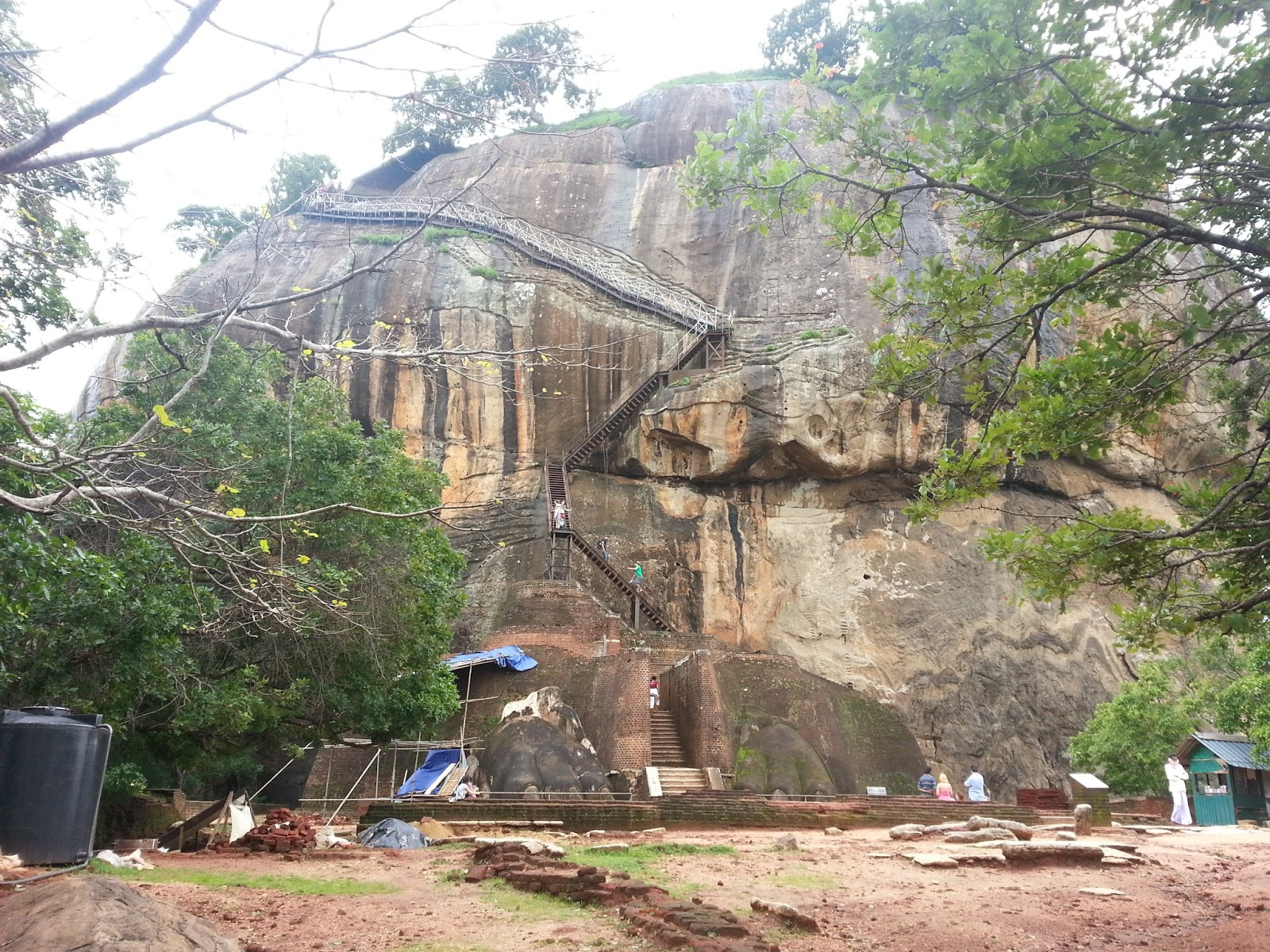essay on sigiriya My country is sri lanka join essayworld today to view this entire essay and over 50,000 other term papers buddhist revival in the days gone by.