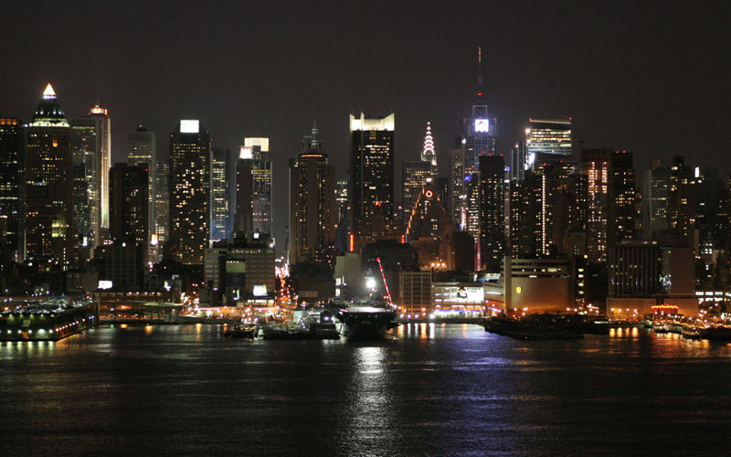 all world visits new york skyline at night. Black Bedroom Furniture Sets. Home Design Ideas