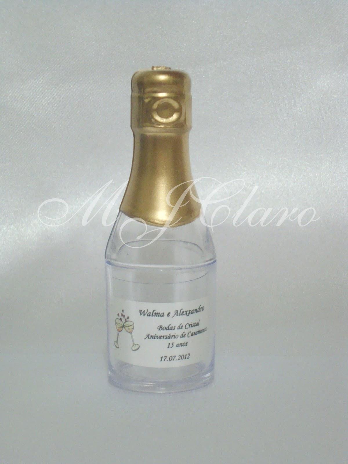 MJClaro Lembrancinhas: Mini Garrafa tipo Champanhe em acrílico para  #7C6A46 1200 1600