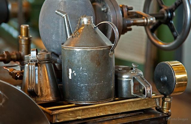 medemblik het stoommuseum, de olie kannetjes