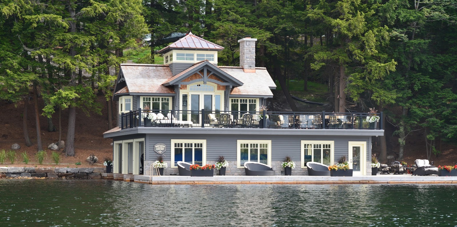 Just things and thoughts muskoka boathouses and cottages for Boat house plans pictures