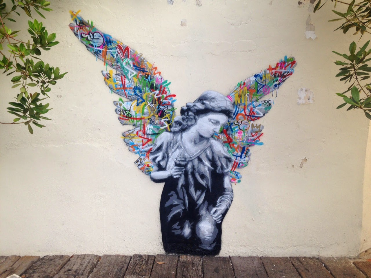 Along with Martin Ron or Ernest Zacharevic, Martin Whatson is also in Malaysia where he just dropped a series of new pieces somewhere on the streets of Penang.