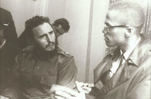 64 Historical Pictures you most likely haven't seen before. # 8 is a bit disturbing! - Fidel Castro and Malcolm X, 1960