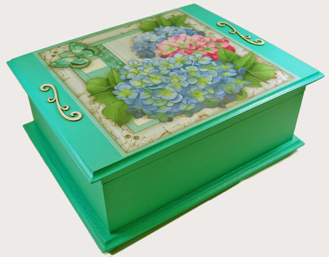 caixa de joias em madeira decorada