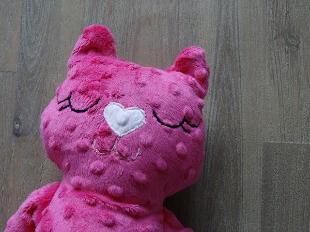 kotek przytulanka do spania róż 8