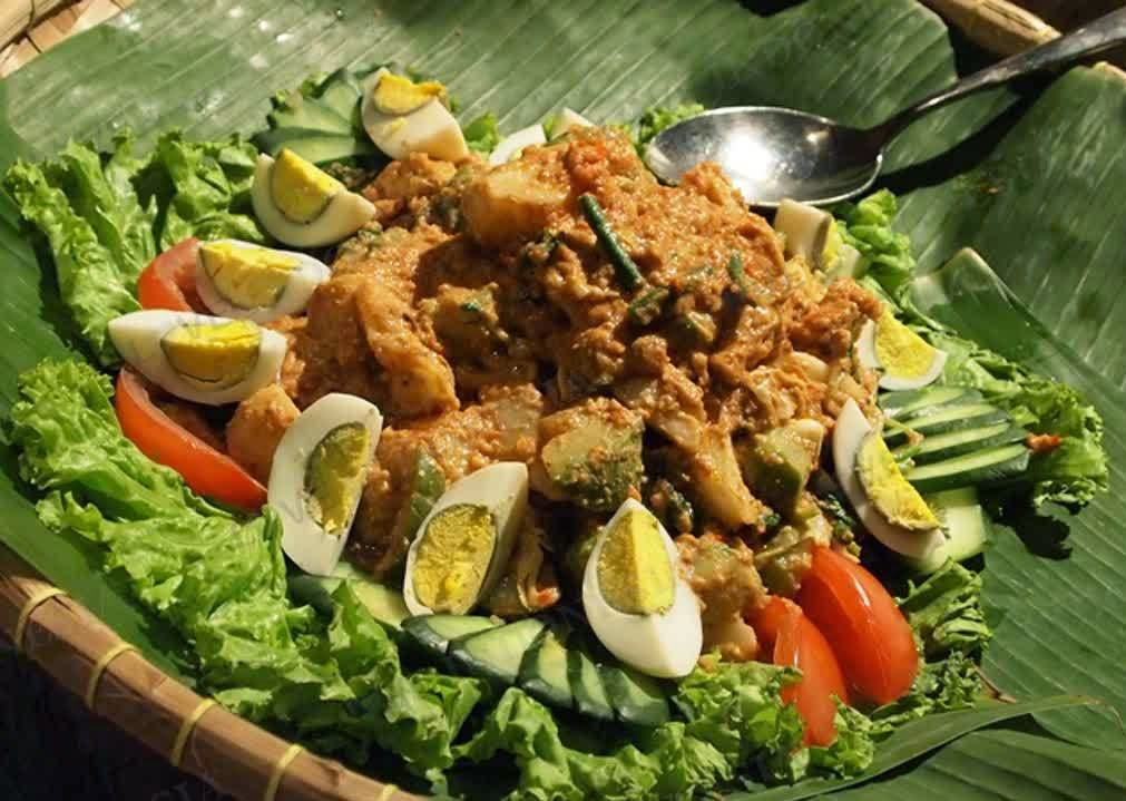 Easy make gado gado and recipes healthy indonesian food recipes tab making gado gado sauce is really simple if you make use of a food processor like i did it consists of boiled veggies such as cabbage spinach carrots forumfinder Gallery