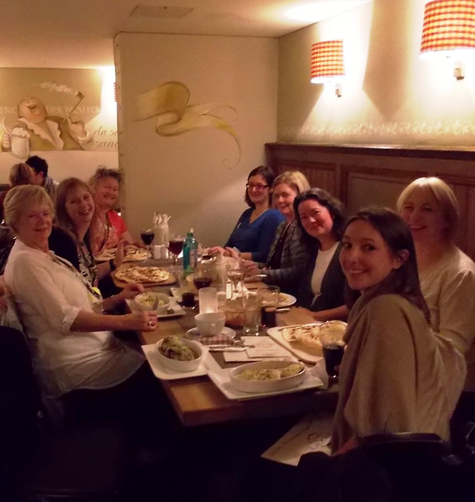 http://1.bp.blogspot.com/-ykJsV-gL-k8/UJfne-ROjnI/AAAAAAAADmc/fPUhr_FZIKE/s1600/dreamers+%2526+friends+at+dinner.JPG