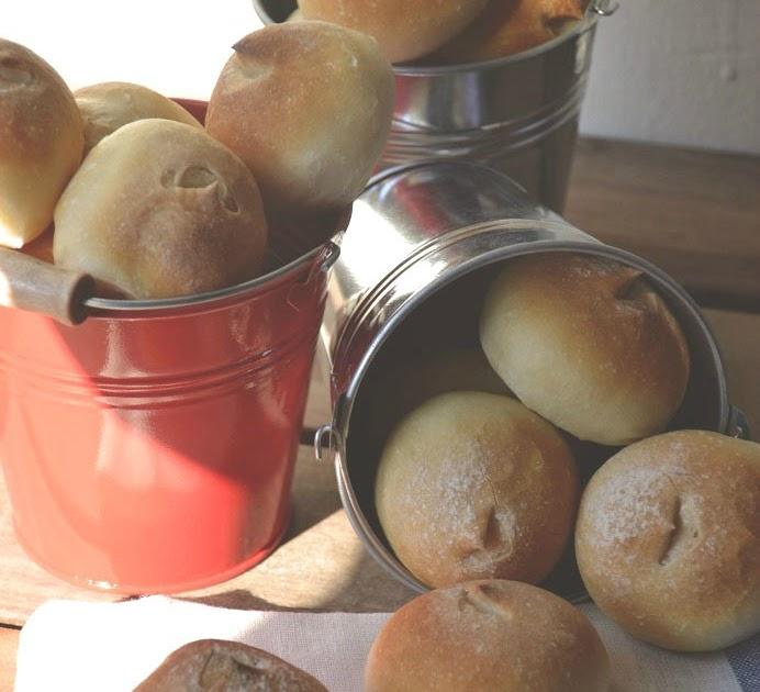 Cocinando con kisa panecillos de pan blanco con poolish for Pane con kitchenaid