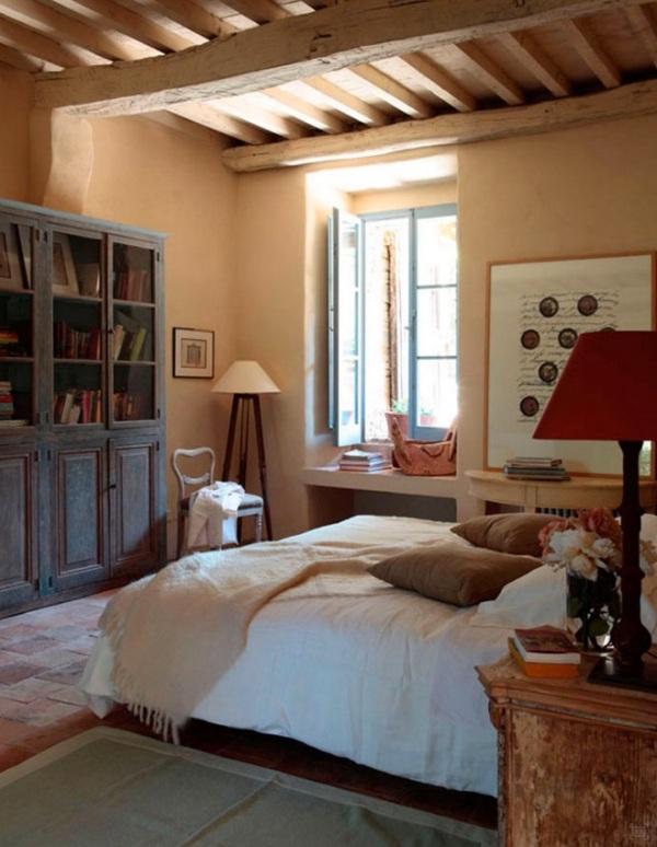 Colores tierra para decorar una casa de campo italiana for Decorar una casa de campo