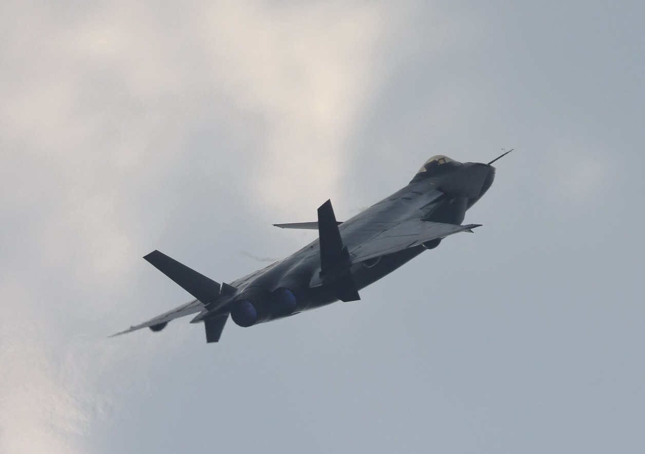 * Suppositions : futurs achats des FRA * - Page 3 J-20+Mighty+Dragon++Chengdu+J-20+fifth+generation+stealth%252C+twin-engine+fighter+aircraft+prototype+People%2527s+Liberation+Army+Air+Force++OPERATIONAL+weapons+aam+bvr+missile+ls+pgm+gps+plaaf+%25286%2529