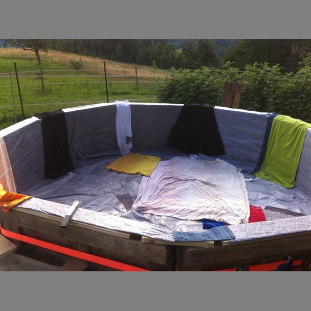 Make Your Own Swimming Pool From 9 Pallets Do It