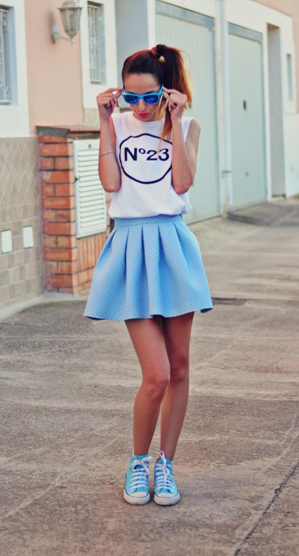 falda_azul_cazamariposas