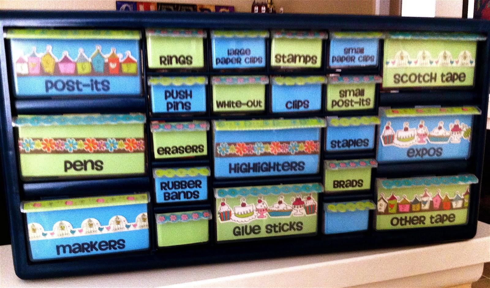 Teacher toolbox and a b2s freebie create teach share - Classroom desk organization ...