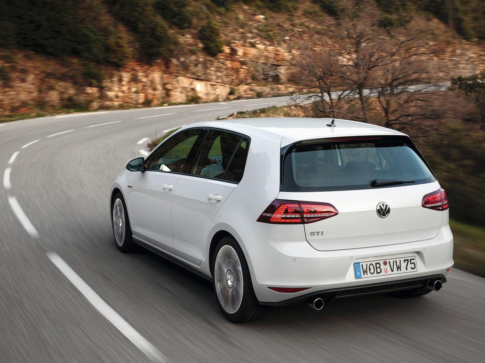 automovel Volkswagen Golf GTI 2014