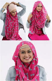 http://karangtarunabhaktibulang.blogspot.com/2014/11/cara-memakai-jilbab-segi-empat-maupun-phasmina.html
