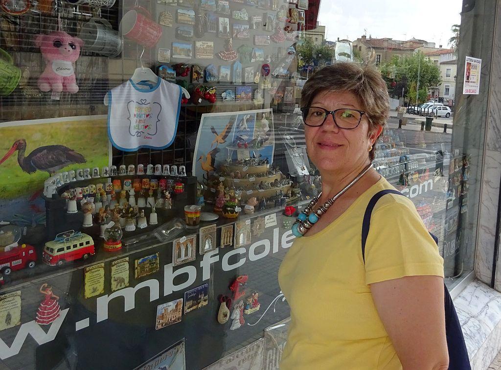 Na loja MBF de Cáceres
