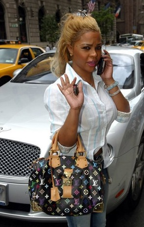 Lil Kim With Louis Vuitton Multicolor Handbag