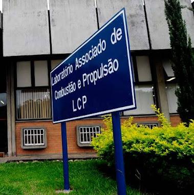 PLACAS DE PATRIMÔNIO EM CHAPA PINTADA ADESIVADA LCP INPE CACHOEIRA PAULISTA-SP