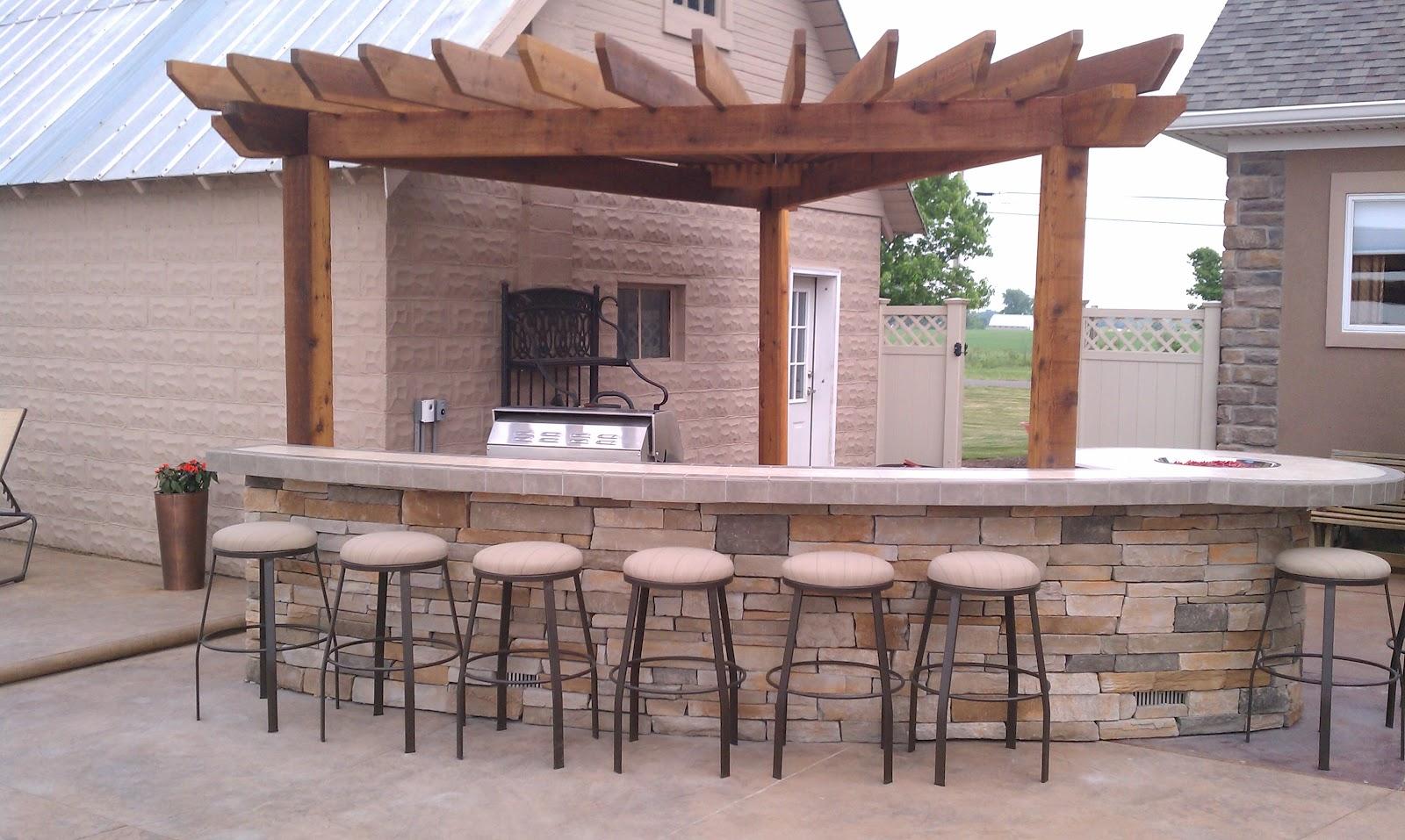 Outdoor Living Radial Pergola Outdoor Kitchen