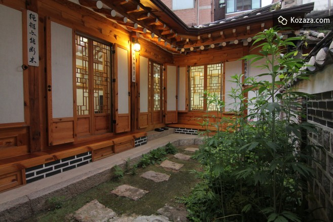 Irang Guesthouse Is A Newly Renovated Korean Traditional House Used As An Accommodation Single Building With Garden On The Side Place Bit Small