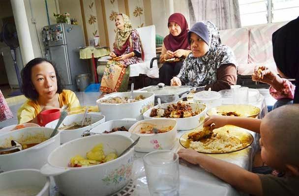 makan tengahari di rumah cikgu fauzi
