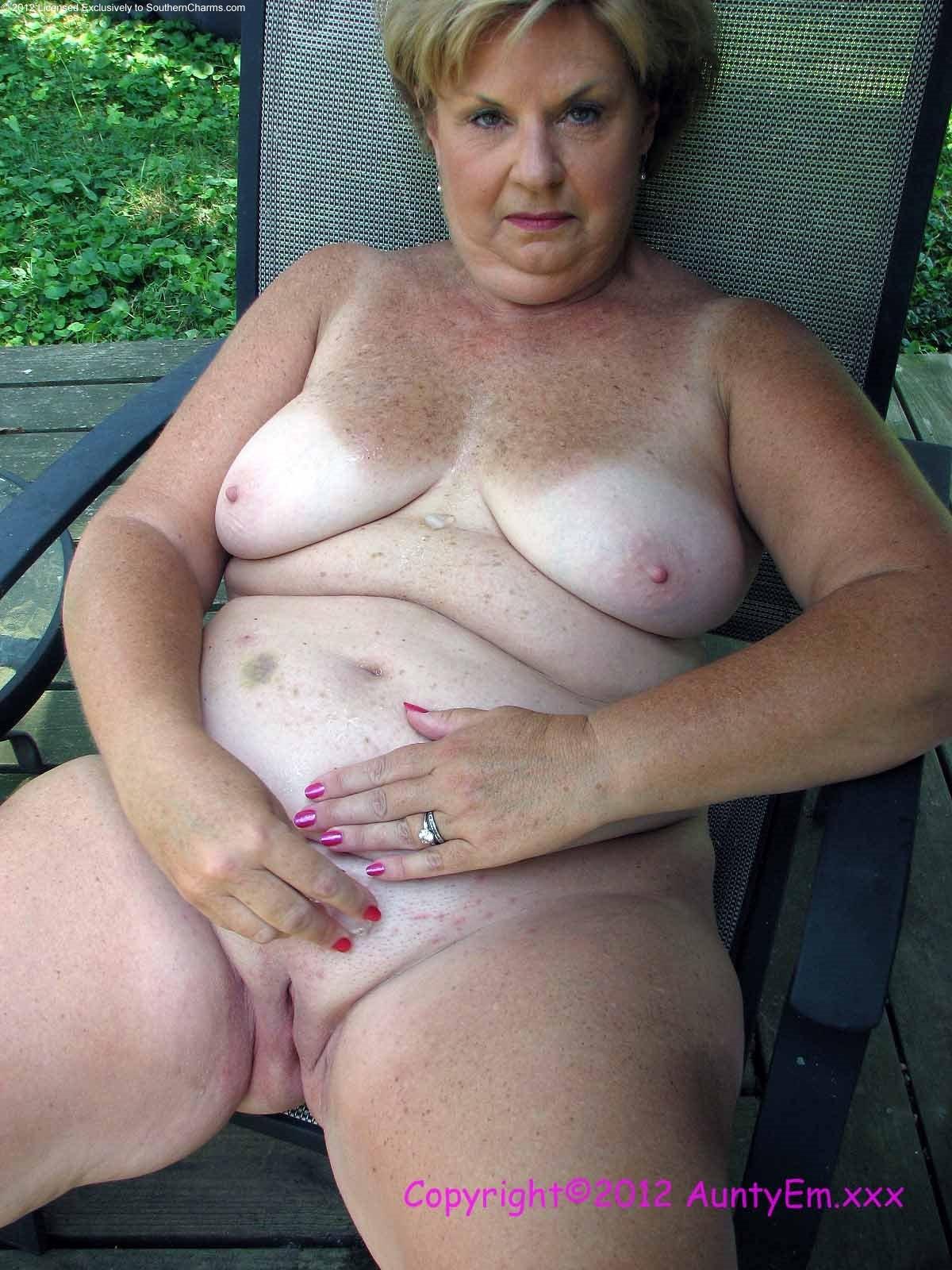 softcore nude women porn