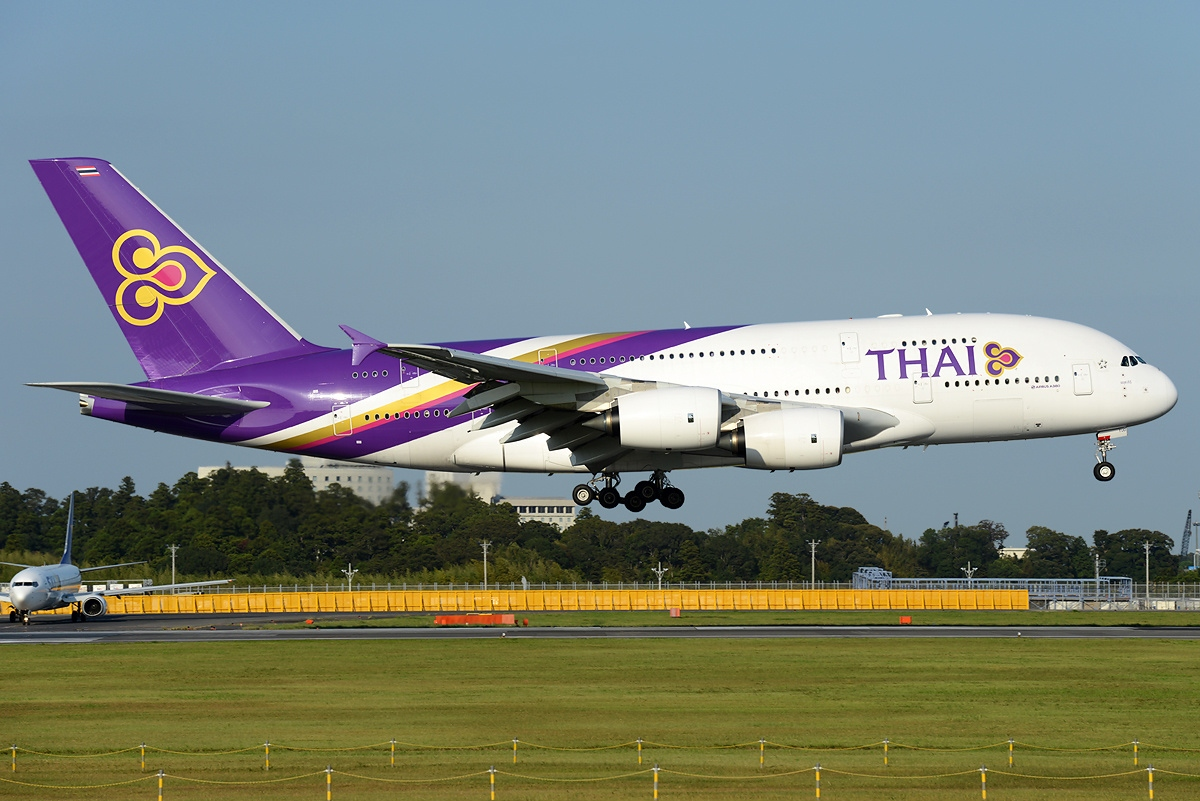 Airbus_A380-841_Thai_Airways_International_AN2328912.jpg