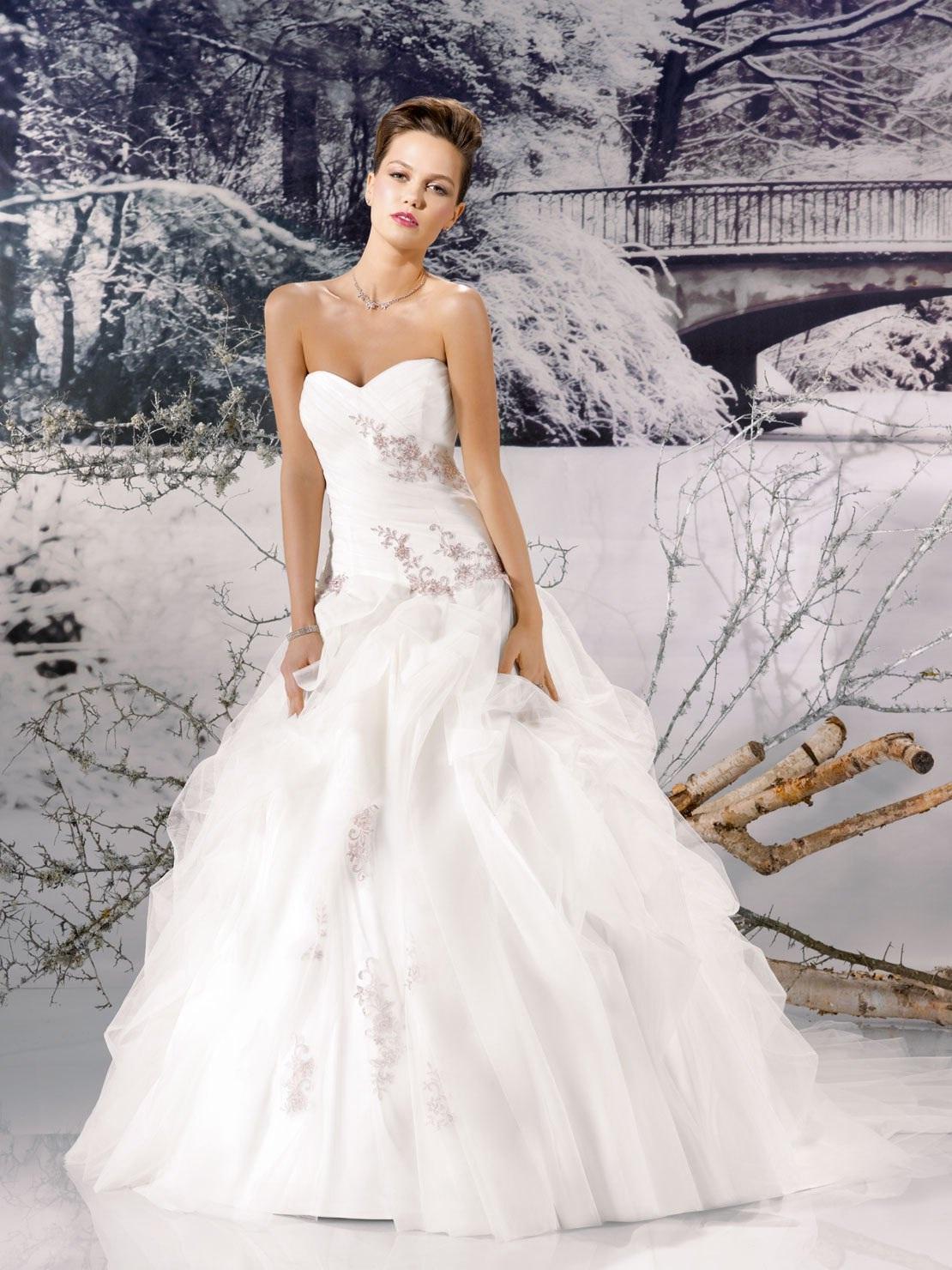 Miss paris spring 2013 bridal wedding dresses for Wedding dress in paris