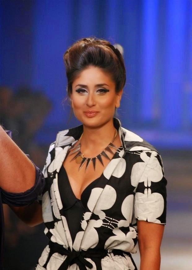 Kareena Kapoor Khan on ramp nip slip wardrobe malfunction pics skin darkening visible on boobs kareena kapoor