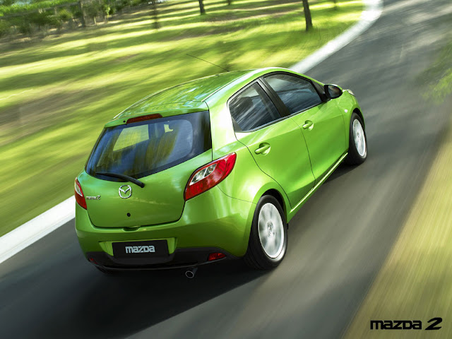 Mazda 2 photo